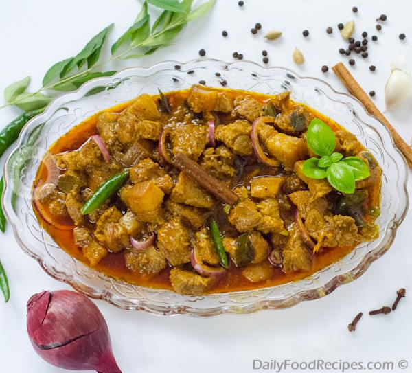 Sri Lankan Pork Curry (ඌරු මස් කරි)