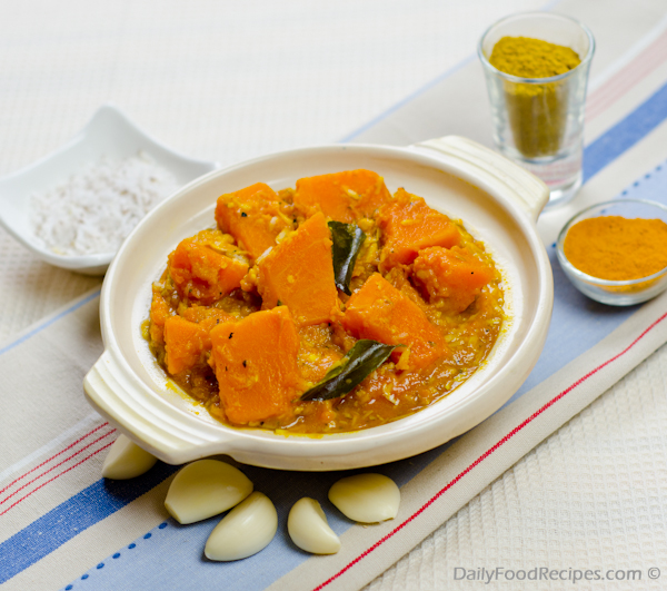 Pumpkin Curry (Wattakka Curry)